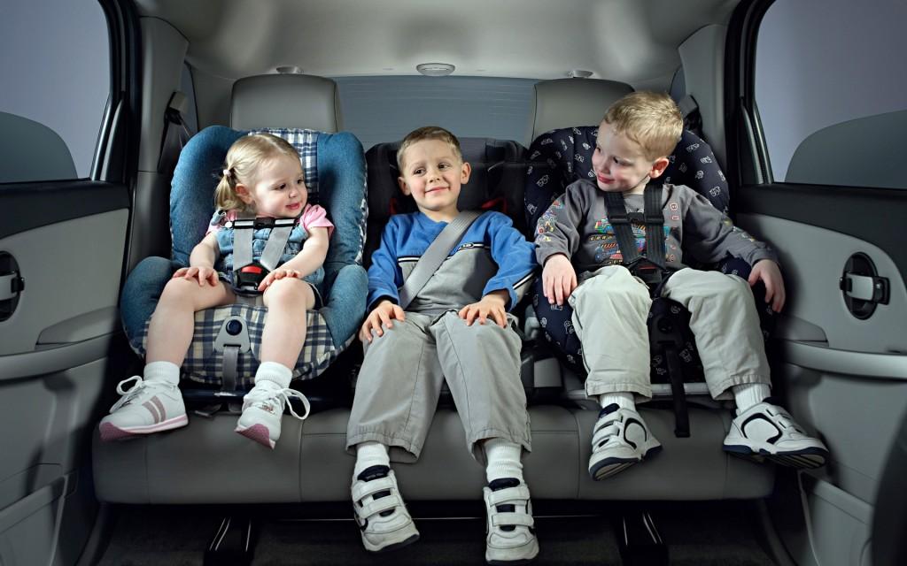 Какое детское автокресло лучше