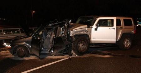 Авария Hummer врезался в Suzuki